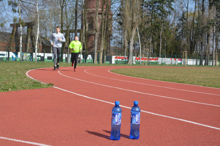Jeśli biegacie, spróbujcie wody Jantar!