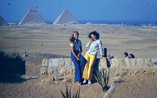Kair - podczas miesięcznego pobytu załogi. Loty dla Egipt Air