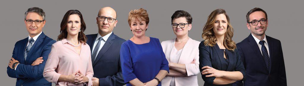 Ewa Jakubczyk-Cały w otoczeniu współpracowników